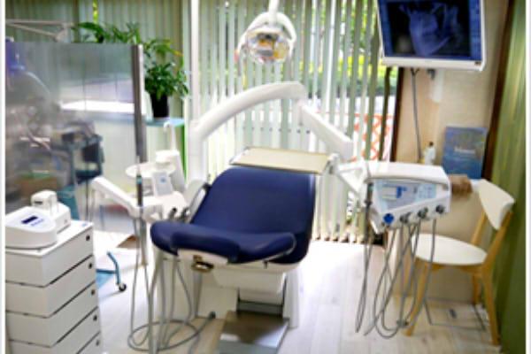 オクヤマ歯科医院